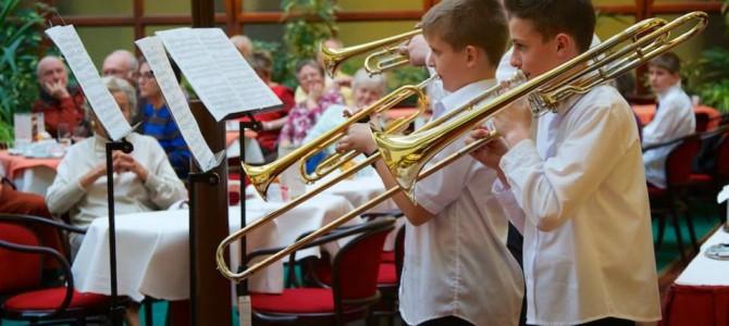 Diákjaink fellépése a Danubius hotelben